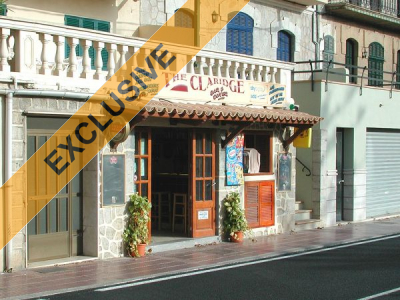 First line bar near the beach in Port de Sóller for sale
