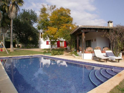 One family house with garden and pool in Palmanyola