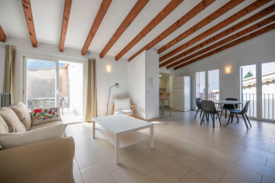 Semi-furnished penthouse with terrace in the centre of Sóller for longterm rent