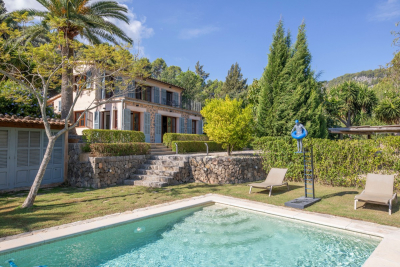 Idyllic finca with breathtaking mountain views and large pool in Sóller - Reg. ET/2439