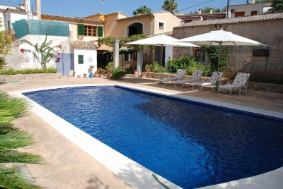 Spacious village house with pool in the centre of Esporles