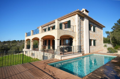 Stone built villa with pool and garage in the outskirts of Valldemossa