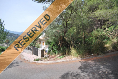 Building plot in Port de Sóller with mountain views