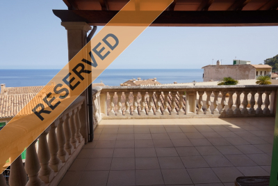 Great townhouse with terrace and seaviews in Banyalbufar