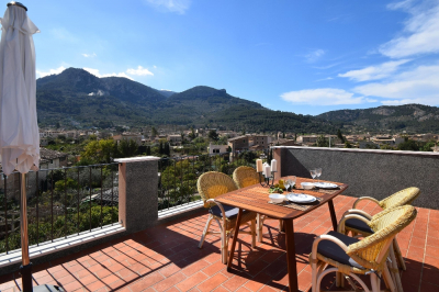 Sunny house in walking distance to the townsquare of Sóller - Reg. L12E11636