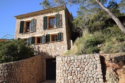 Beautiful stone house with large terraces and sea view in Port de Valldemossa
