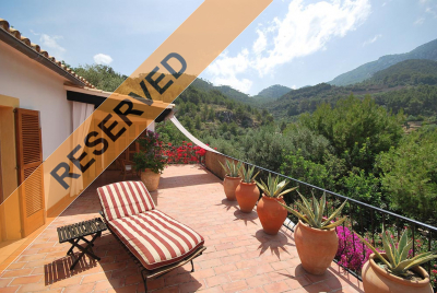 Chalet with large terraces and garden and south orientation in Banyalbufar