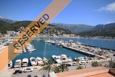 Two luxury apartments with balcony and terrace in first line in Port de Sóller