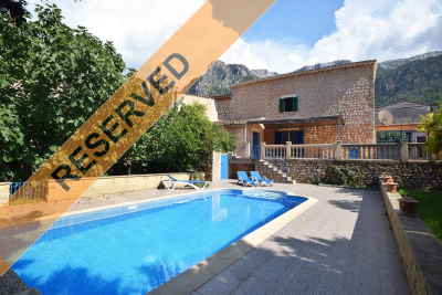 House with garage, large terraces and pool + separate large building plot on the outskirts of Sóller