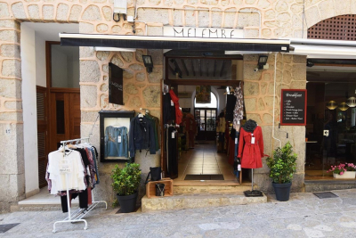 Shop in a prime location in the pedestrian area of Port de Sóller