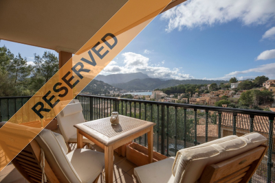 Nice bright apartment in a quiet location with terrace and parking in Port de Sóller