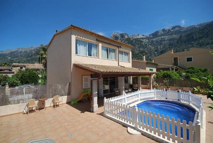 Villa mit swimmingpool und grosser tiefgarage in s ller for Dreamhomes com