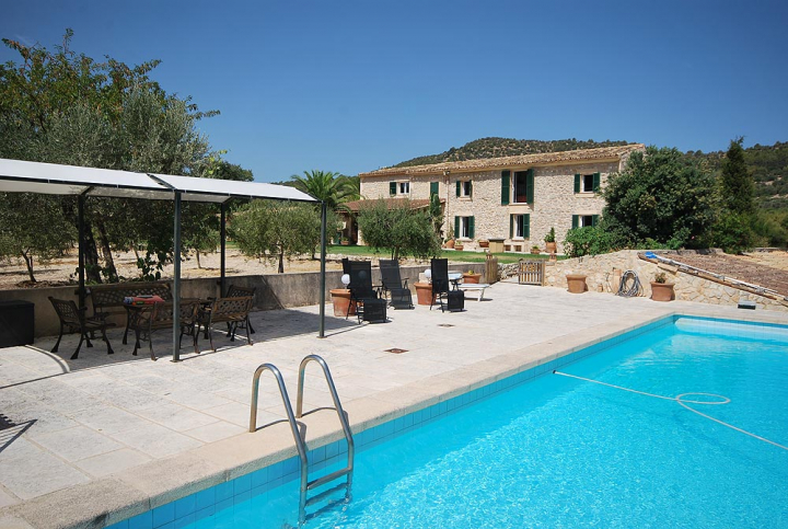 Quiet Area Close To The Village With Pool And Large Plot In Binissalem